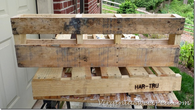 Pallet-Wine-Rack-Cut-end_thumb
