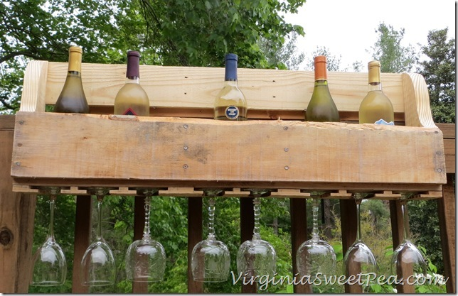 Pallet-Wine-Rack-DIY_thumb (1)