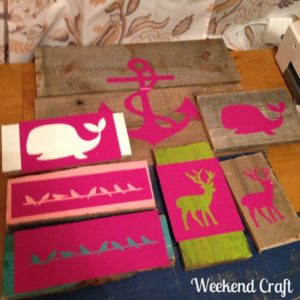Stenciling+multiple+Pallet+Signs