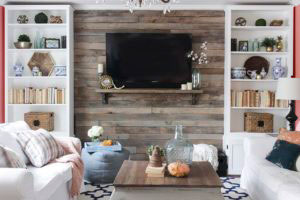 Wood-Pallet-Accent-Wall-DIY