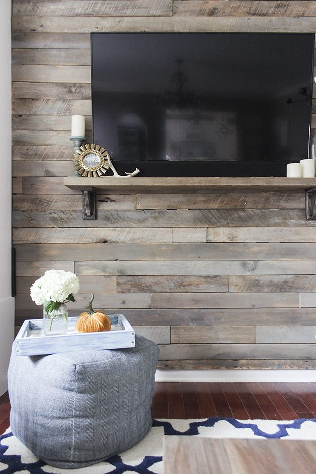 hang tv on wood pallet