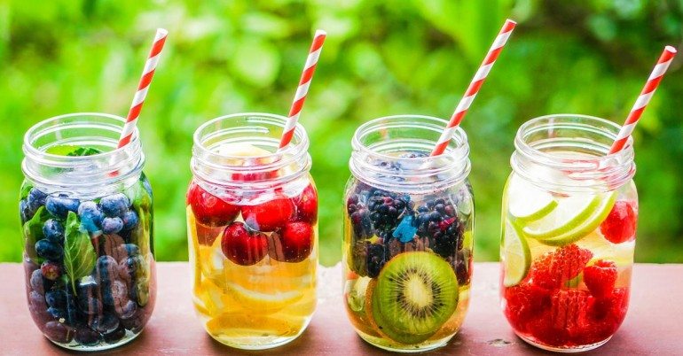 Vitamin-Detox-Water-For-A-Flat-Stomach-And-Clear-Skin-770x402